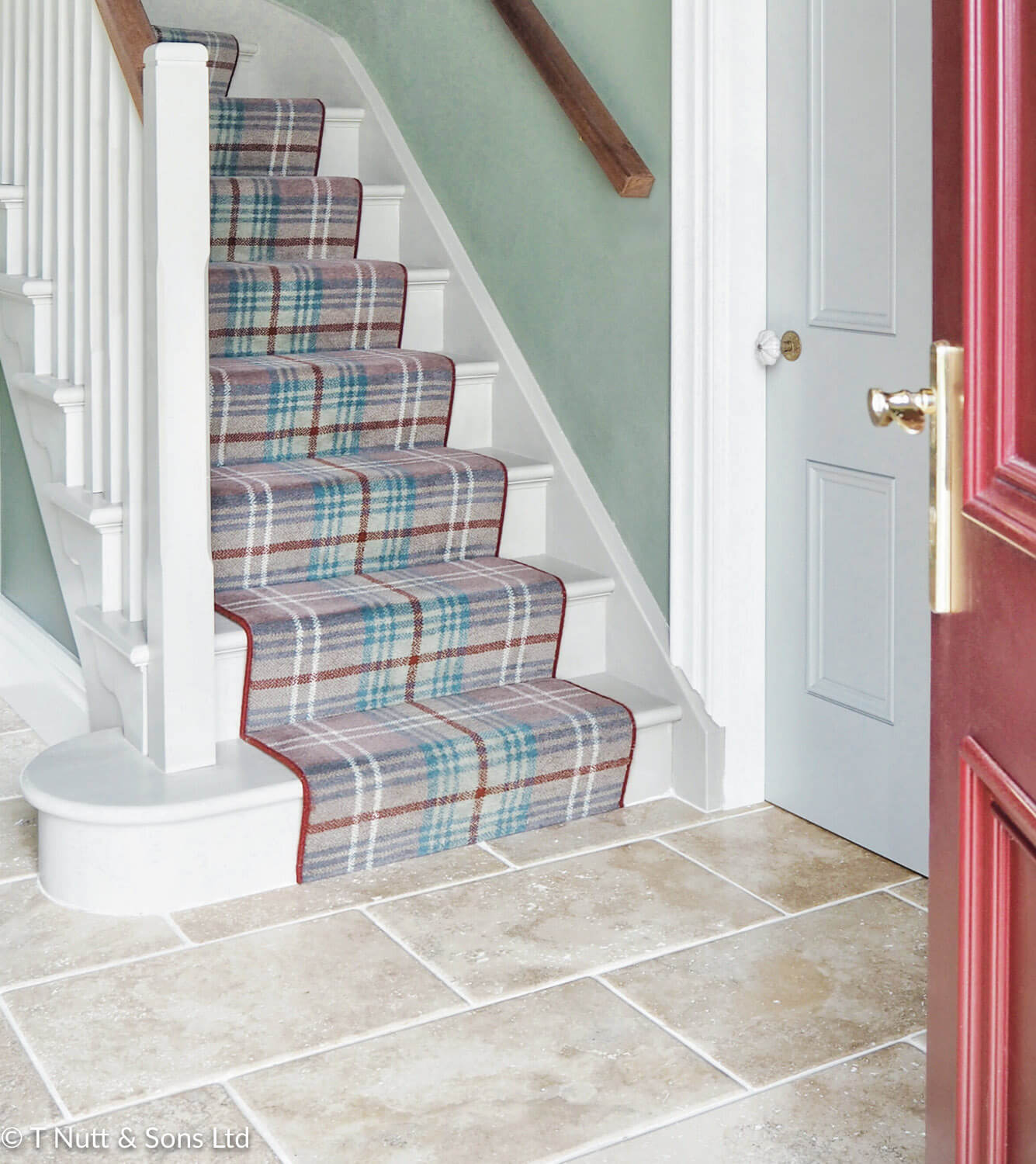 Ulster Glenmoy Beige Chisholm stairs